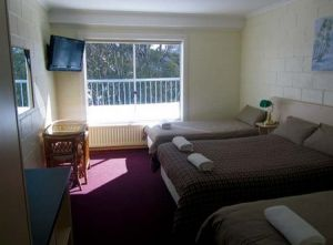 Falls Creek Hotel - Accommodation Cooktown