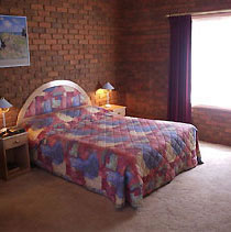 The Charles Sturt Motor Inn - Accommodation Cooktown