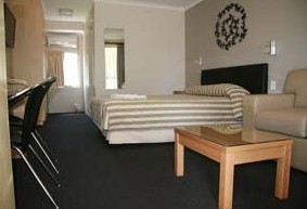 Queensgate Motel - Accommodation Cooktown