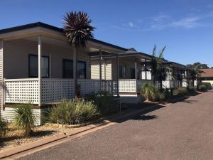 Sundowner Cabin and Tourist Park - Accommodation Cooktown