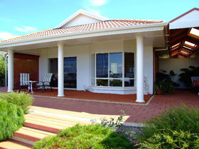 Close Encounters Bed and Breakfast - Accommodation Cooktown