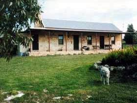 Mt Dutton Bay Woolshed Heritage Cottage - Accommodation Cooktown