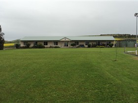 Port Lincoln Lions Hostel - Accommodation Cooktown