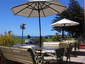Anchorage at Victor Harbor Seafront Hotel - Accommodation Cooktown