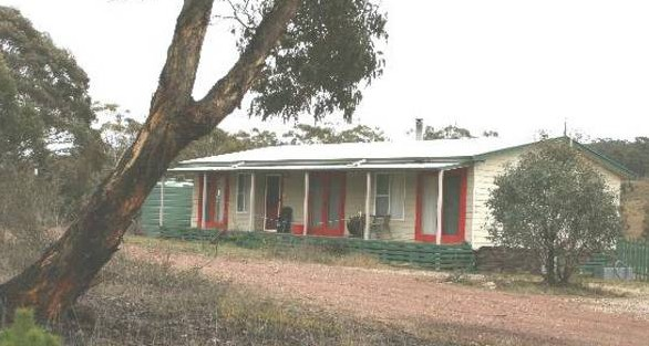 Christmas Tree Cottage - Accommodation Cooktown