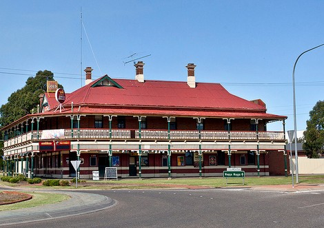 The New Coolamon Hotel - Accommodation Cooktown