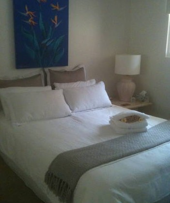 Absolute Beachfront Manly Bed and Breakfast - Accommodation Cooktown