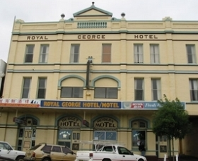 Royal George Motel Hotel