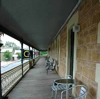 Hotel Mannum - Accommodation Cooktown