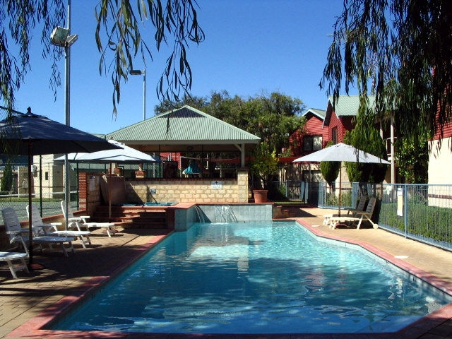 Amalfi Resort - Accommodation Cooktown