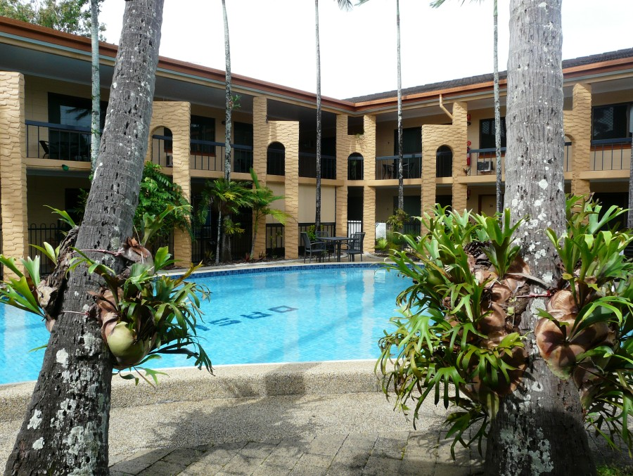 Oasis Inn Holiday Apartments - Accommodation Cooktown