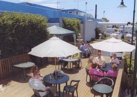 Top Of The Town Hotel - Accommodation Cooktown