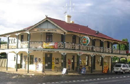 Royal Hotel Mandurama - Accommodation Cooktown