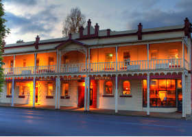 Royal George Hotel - Accommodation Cooktown