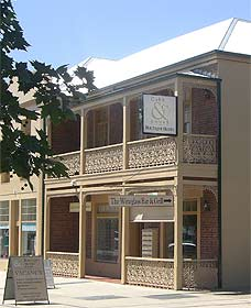 Cobb  Co Court Boutique Hotel - Accommodation Cooktown