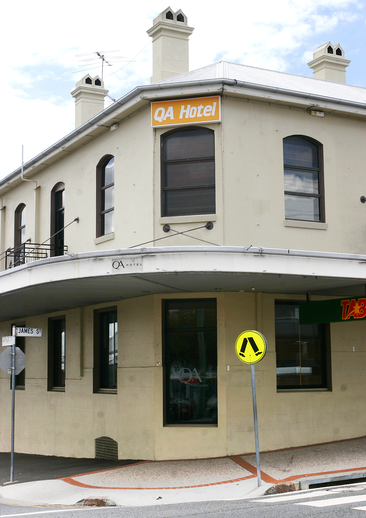 QA Hotel - Accommodation Cooktown