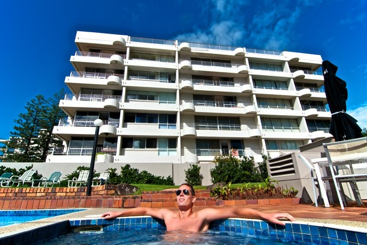 SURFERS CHALET HOLIDAY APARTMENTS - Accommodation Cooktown