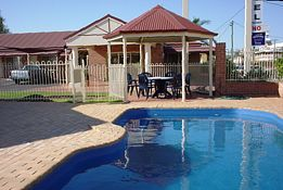 Roma Mid Town Motor Inn - Accommodation Cooktown