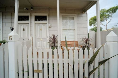Emerald Inn - Stay Innercity - Accommodation Cooktown