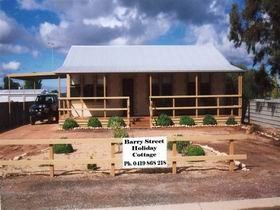 Cowell Barry Street Holiday Cottage - Accommodation Cooktown