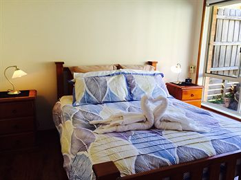 Australian Home Away  East Doncaster Andersons Creek 1 - Accommodation Cooktown