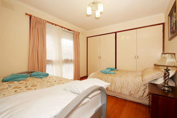 40 Thames Holiday Unit - Accommodation Cooktown