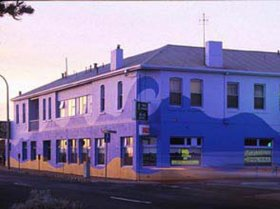 Beach Hotel - Accommodation Cooktown