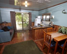 Crayfish Creek Van and Cabin Park and Spa Treehouse - Accommodation Cooktown