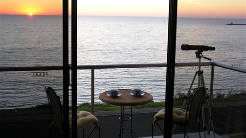 Clifftop Accommodation Portland Victoria - Accommodation Cooktown
