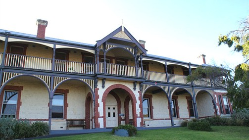 Oceanic Sorrento - Whitehall Guesthouse - Accommodation Cooktown