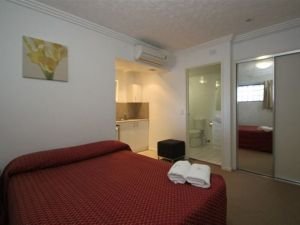 Southern Cross Motel and Serviced Apartments - Accommodation Cooktown
