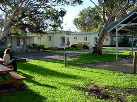 Beachside Holiday Park - Accommodation Cooktown