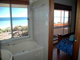 Ceduna Shelly Beach Caravan Park and Beachfront Villas - Accommodation Cooktown
