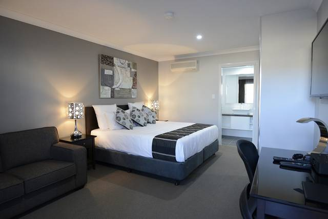 Aastro Dish Motor Inn - Accommodation Cooktown
