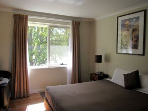 Forrest Hotel  Apartments - Accommodation Cooktown