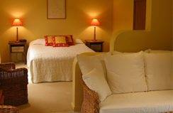 Santa Fe Luxury Bed  Breakfast - Accommodation Cooktown