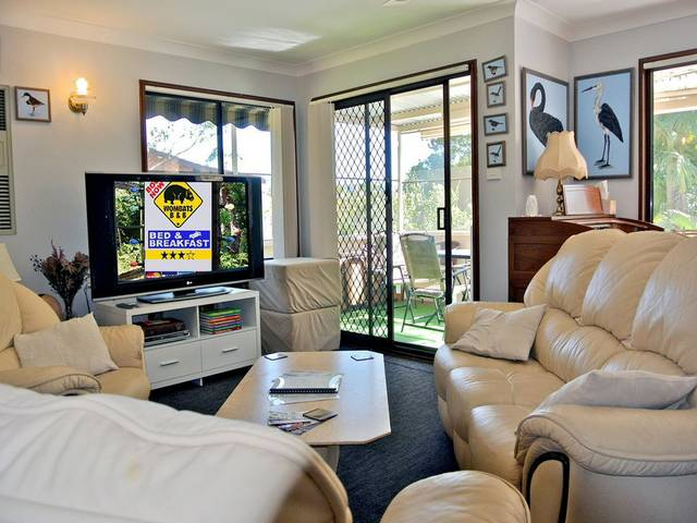 WOMBATS BB - Apartments - AAA 3.5 rated Gosford - Accommodation Cooktown