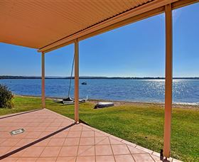 Luxury Waterfront House - Accommodation Cooktown
