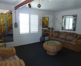 Sails Beach House Apartment Pottsville - Accommodation Cooktown