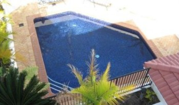 Shaz Maisons Beachside Holiday Apartments - Accommodation Cooktown