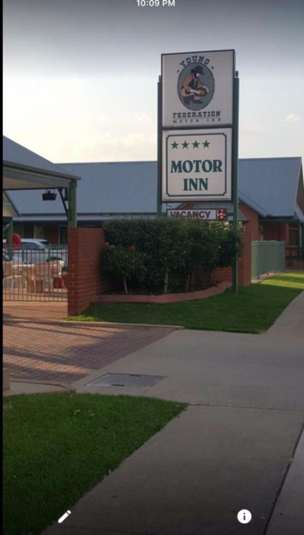 Federation Motor Inn Young - Accommodation Cooktown