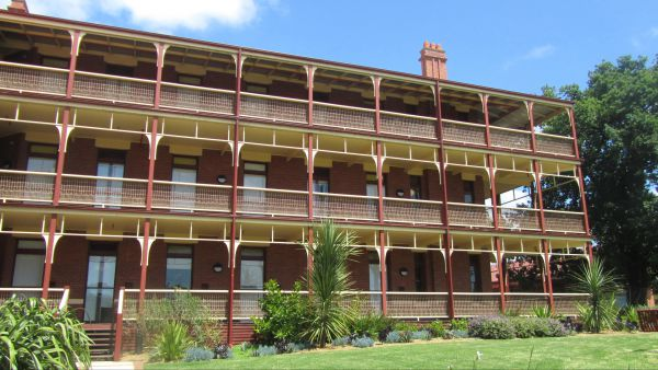 Yarra House - Accommodation Cooktown
