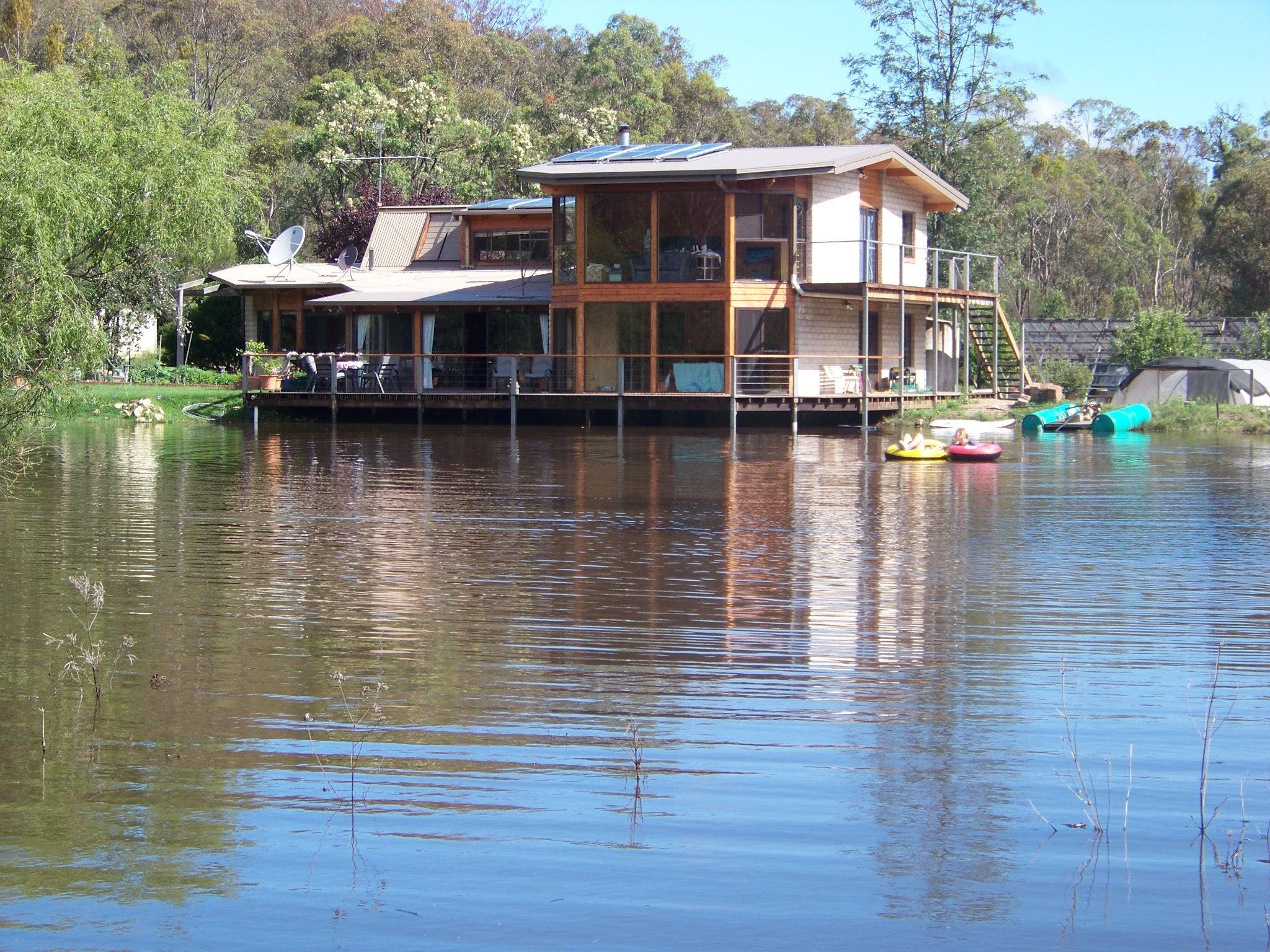 Lakeside Lodge - Accommodation Cooktown