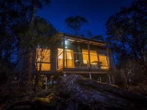 Cradle Mountain Wilderness Village - Accommodation Cooktown
