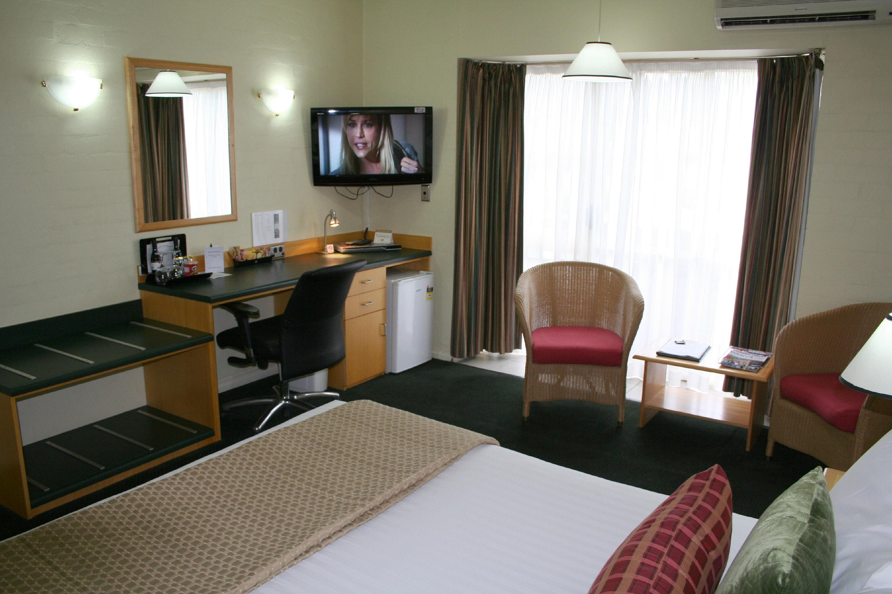 Grand Country Lodge - Accommodation Cooktown