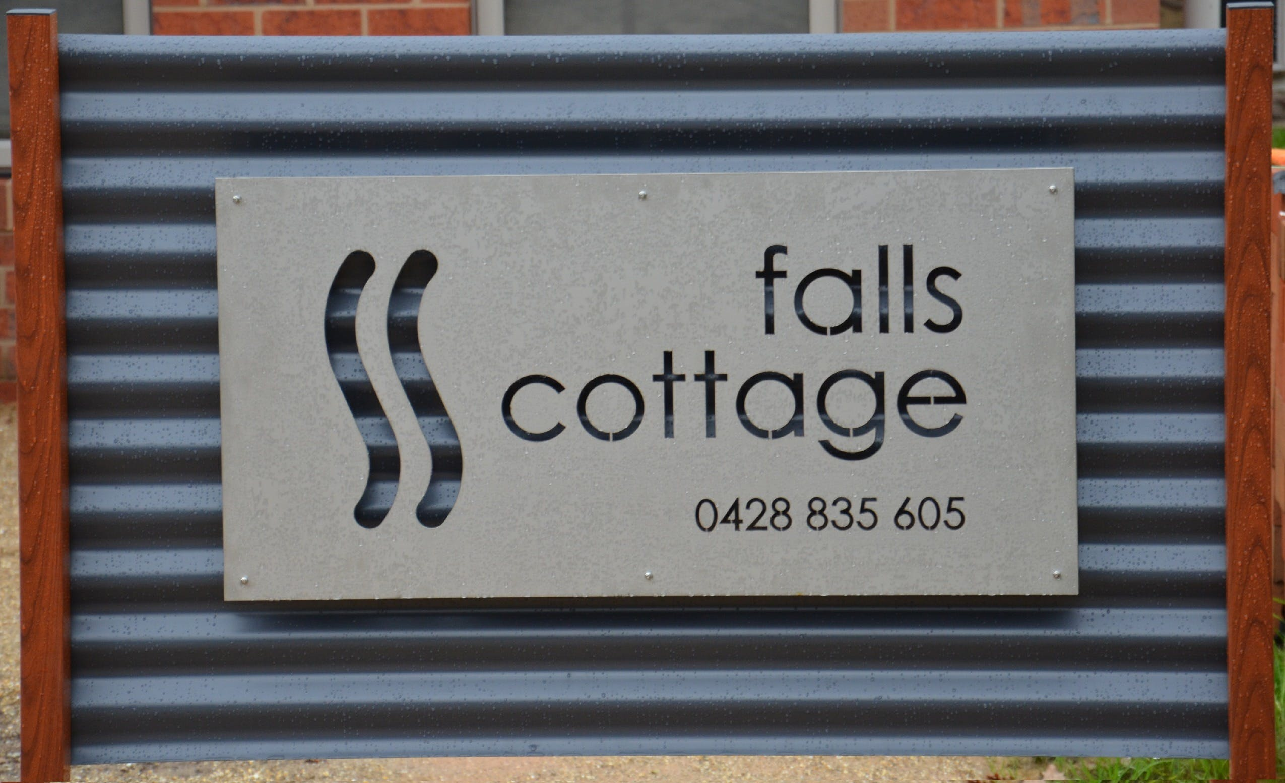 Falls Cottage Whitfield - Accommodation Cooktown
