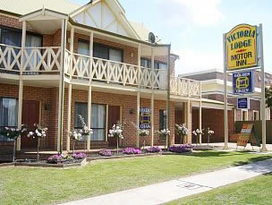Victoria Lake Holiday Park - Accommodation Cooktown