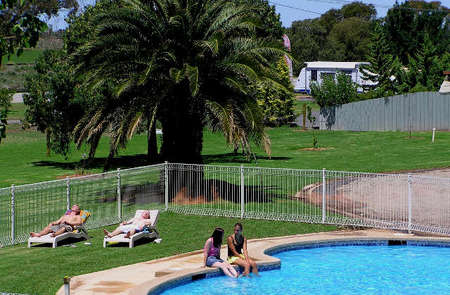 Swan Hill Holiday Park - Accommodation Cooktown