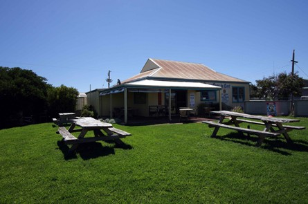 Apostles Camping Park and Cabins - Accommodation Cooktown