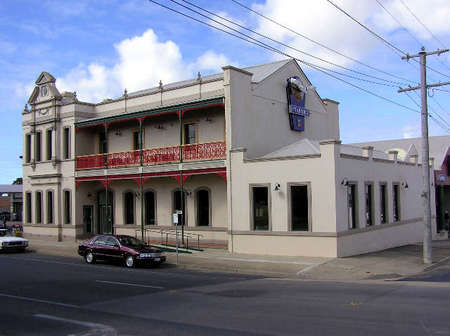 Mitchell River Tavern - Accommodation Cooktown